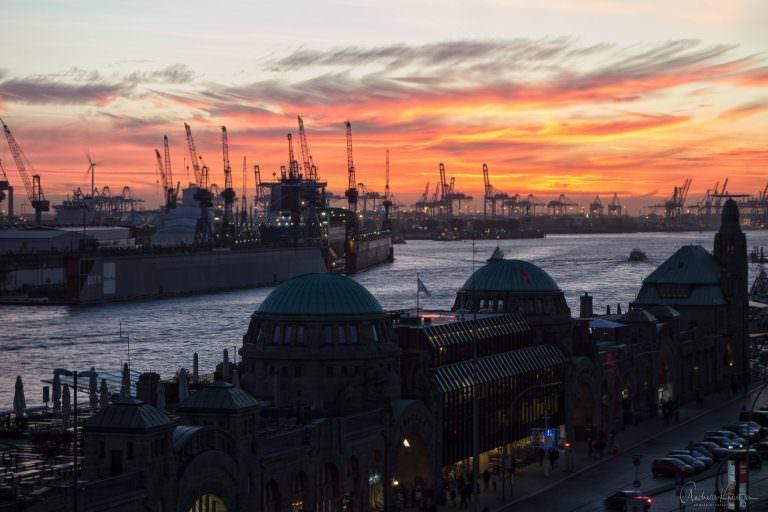 Abendhimmel am Hafen
