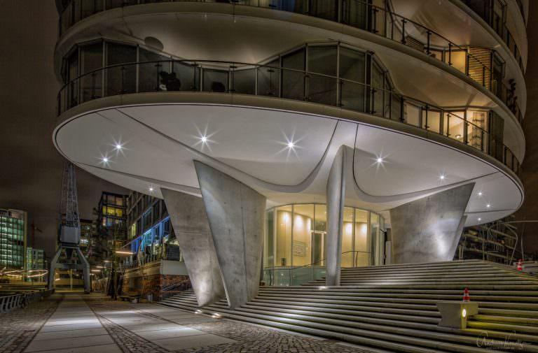 Architektur am Kaiserkai in der Hamburger HafenCity.