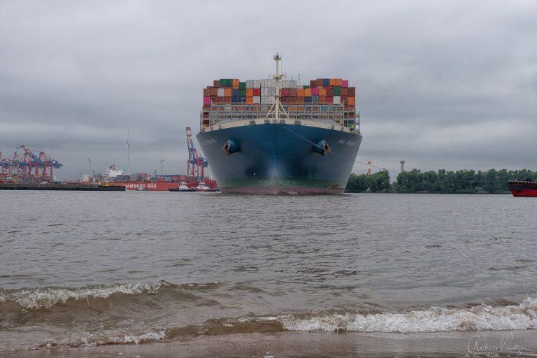 Containerschiff Mol Tribute