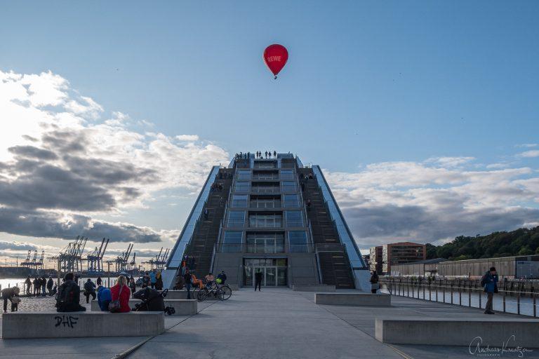 Dockland mit Heissluftballon