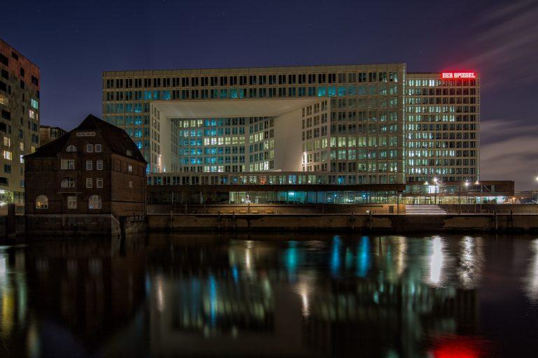 Ericus Contor und altes Zollhaus in der Hamburger HafenCity