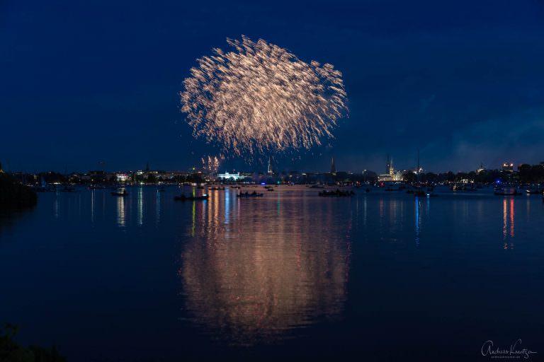 Feuerwerk zum Kirschbluetenfest