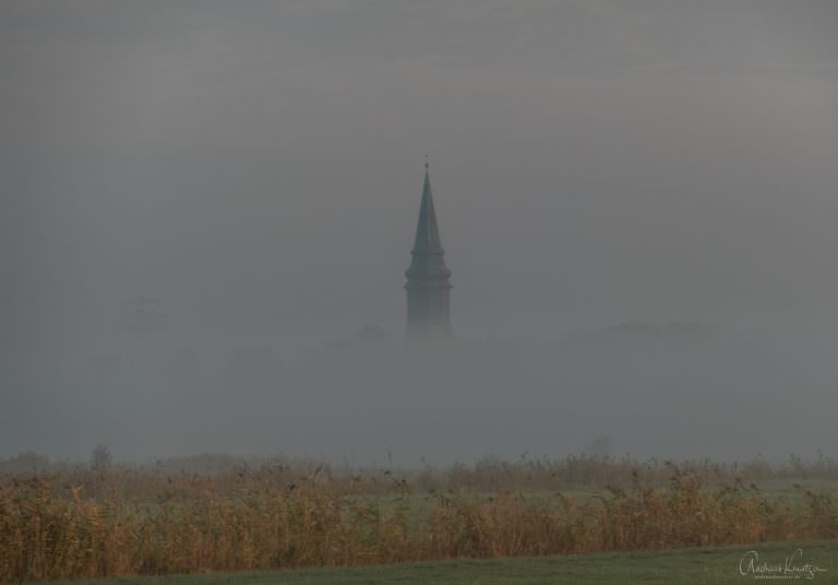 Kirche Billwerder im Nebel