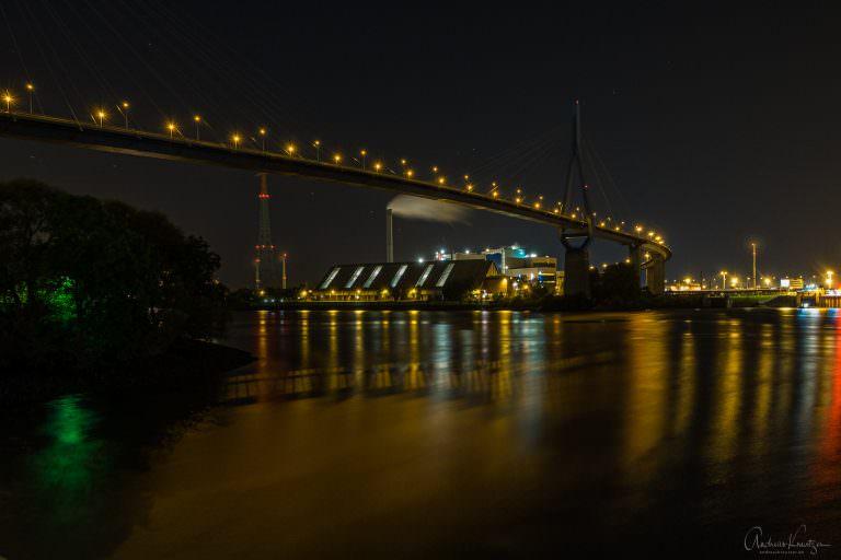 Köhlbrandbrücke bei Nacht