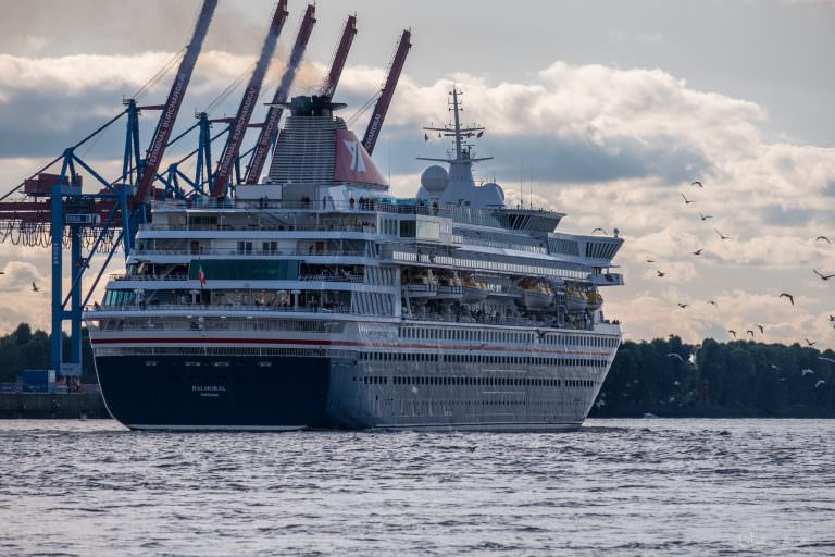 Kreuzfahrtschiff Balmoral in Hamburg