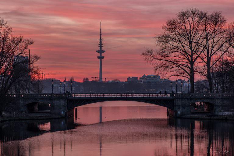 Schwanenwikbrücke