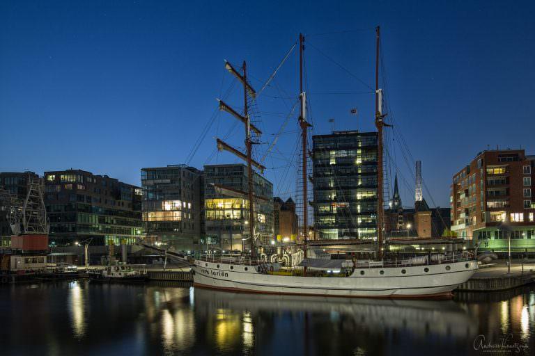 Traditionsschiffhafen in der Hamburger HafenCity / Speicherstadt