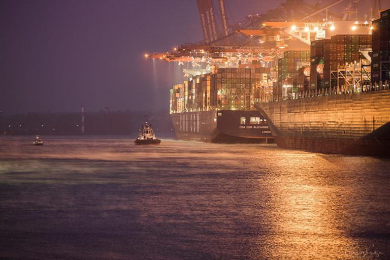 Waltershofer Hafen am Morgen