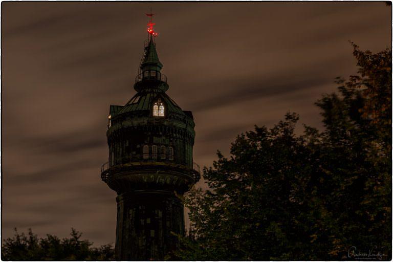 Blick auf den Wasserturm in Hamburg-Lokstedt