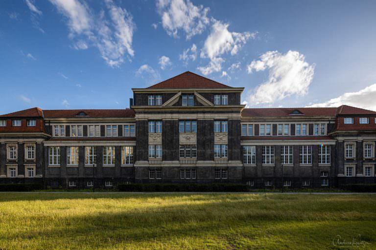 Universitae t Hamburg
